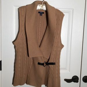 Chaps cable knit sweater vest extra large.